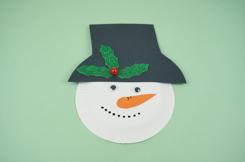 Winter Snowman Out of Paper Plates